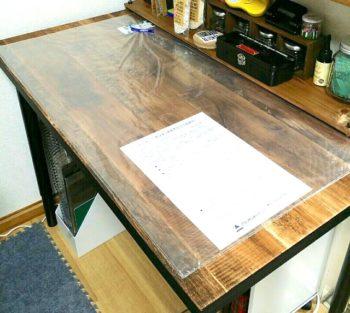 プラスチックのテーブル板