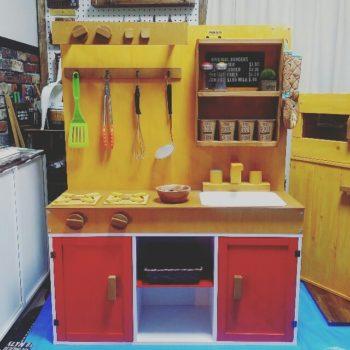カラーボックスで作った手作りままごとキッチン