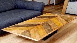 DIYしたヘリンボーン柄のテーブル