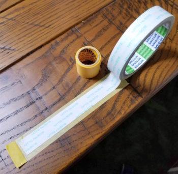 マスキングテープと両面テープを使った貼り方