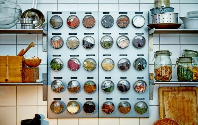 IKEAのマグネット収納缶とラベルで作るインテリア