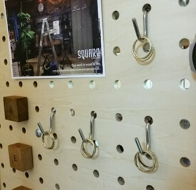 有孔ボードdiyで指輪収納を作る