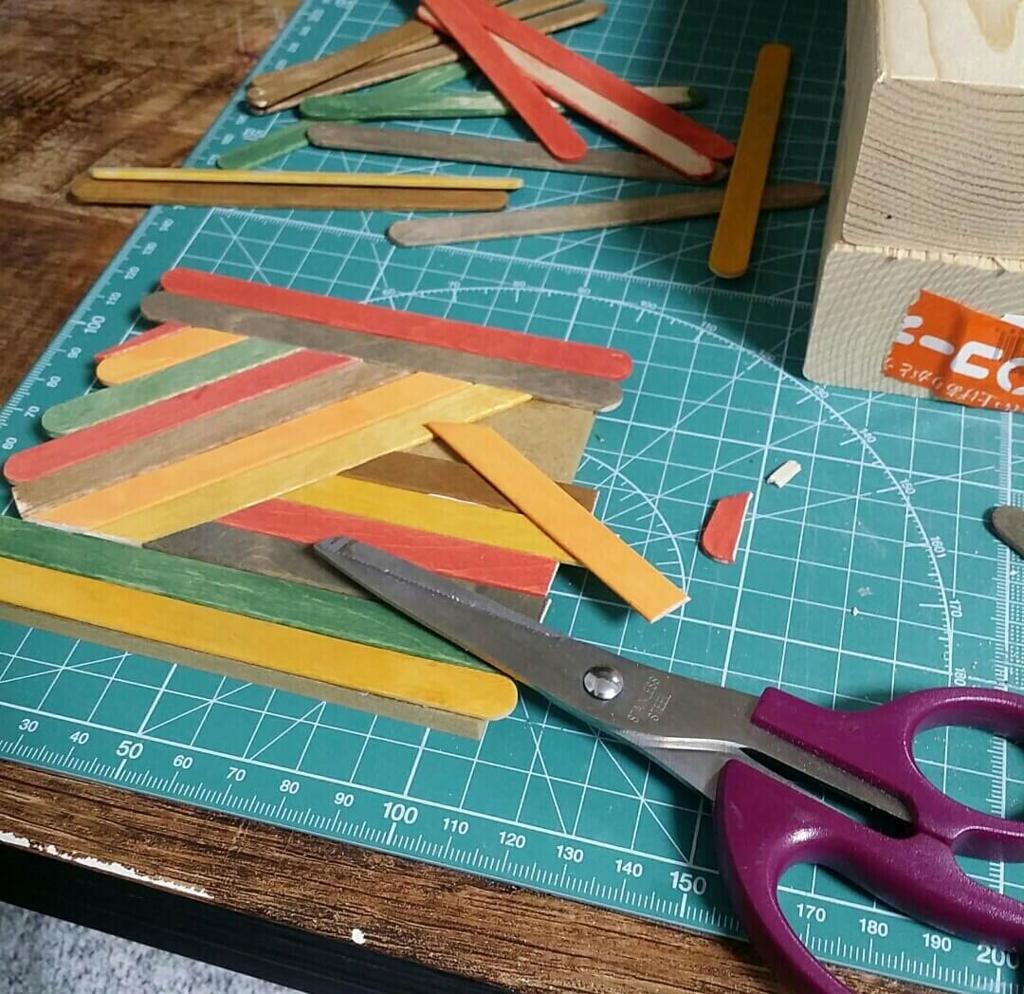 ヘリンボーンのコースターを100均DIYで作る方法