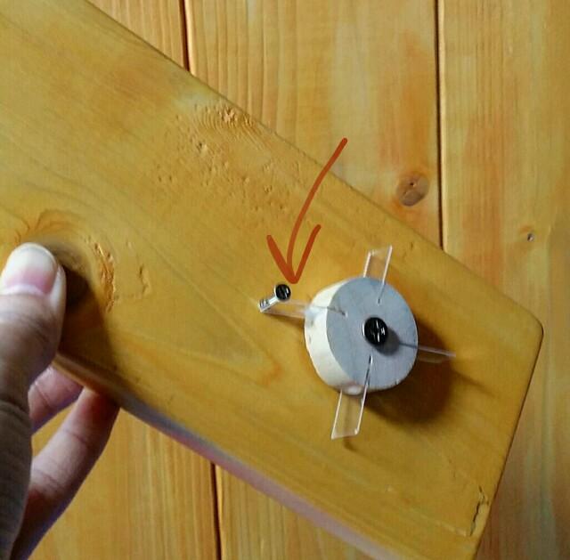 カチカチと音が鳴るつまみスイッチの仕組み