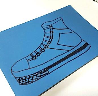 ゴム版に書いたスニーカーのイラスト
