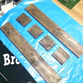 リメイクシートを貼る収納棚の棚板