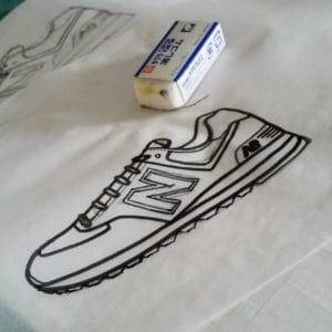 トレーシングペーパーに書き写したスニーカープラバンの型紙