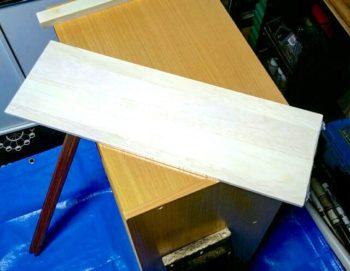 ままごとキッチンのコンロ作りで使うファルカタ木材