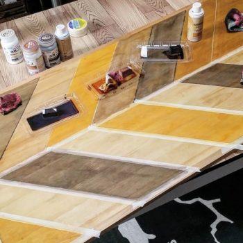 マスキングテープを使って塗装するヘリンボーンの柄