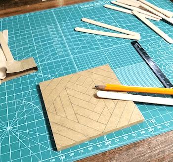 ハンドメイドコースターのヘリンボーン柄を作る