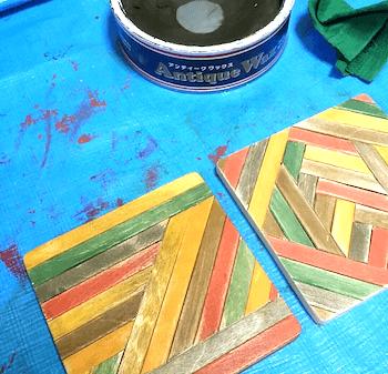 アンティークワックスを塗ったハンドメイドコースター